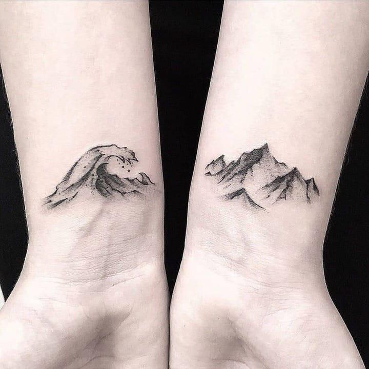 парные тату горы и волны