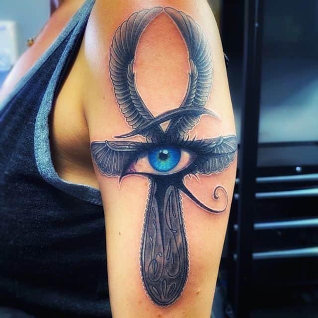глаз гора тату на плече