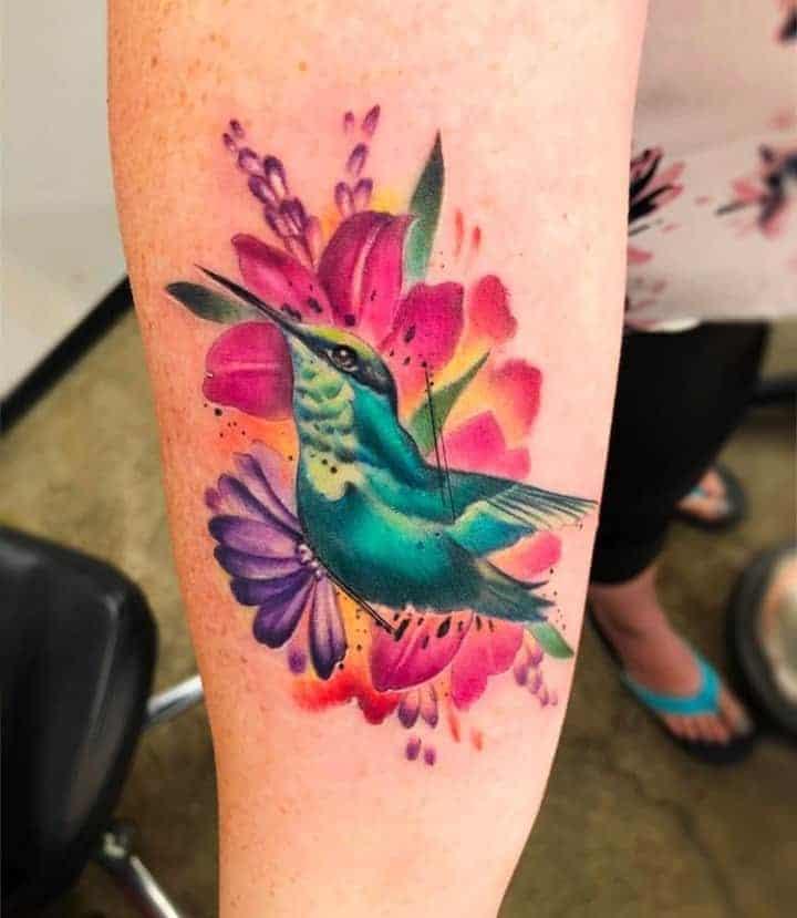 колибри тату цветная