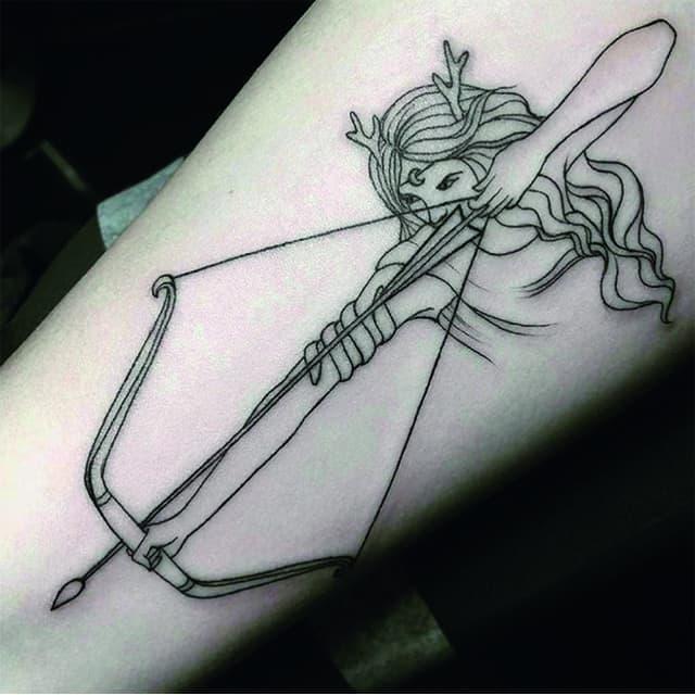 тату знак зодиака стрелец с луком