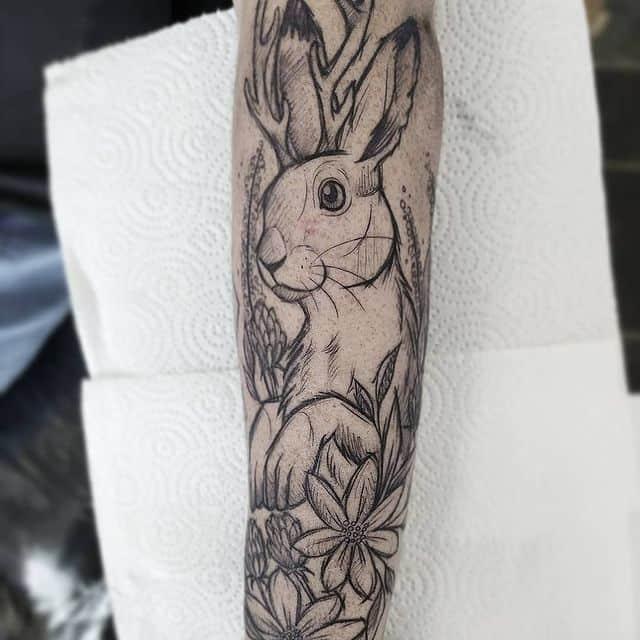 тату кролик чб