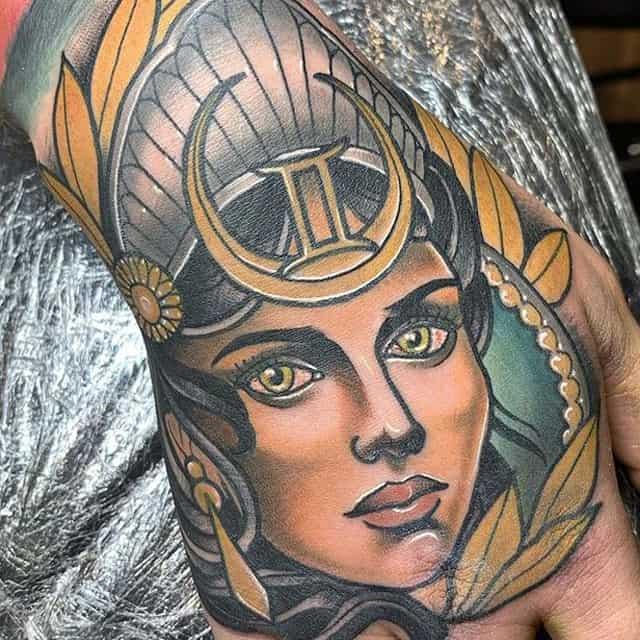 Татуировка традиционная
