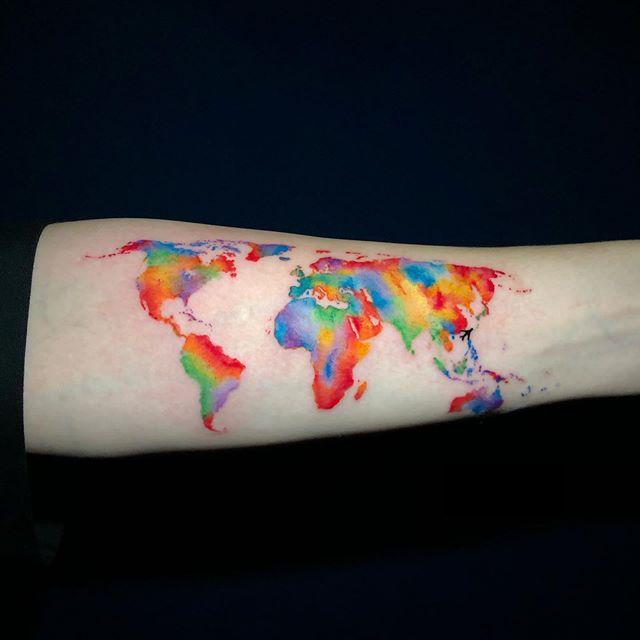 тату карта мира цветная