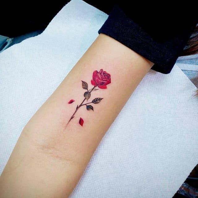 мини тату роза