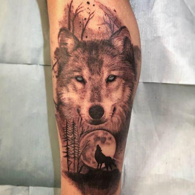 Тату на икре волк