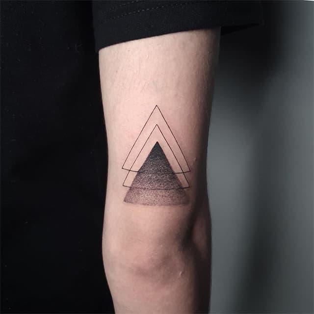 три треугольника тату