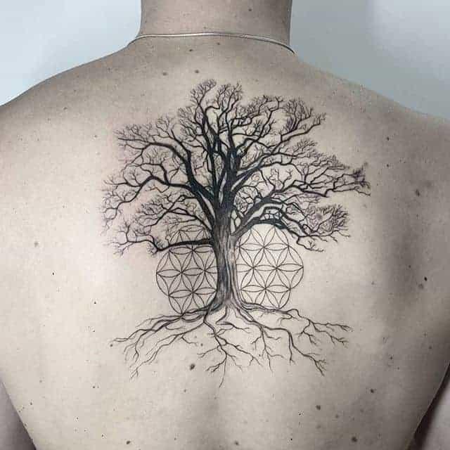 тату дерево геометрия