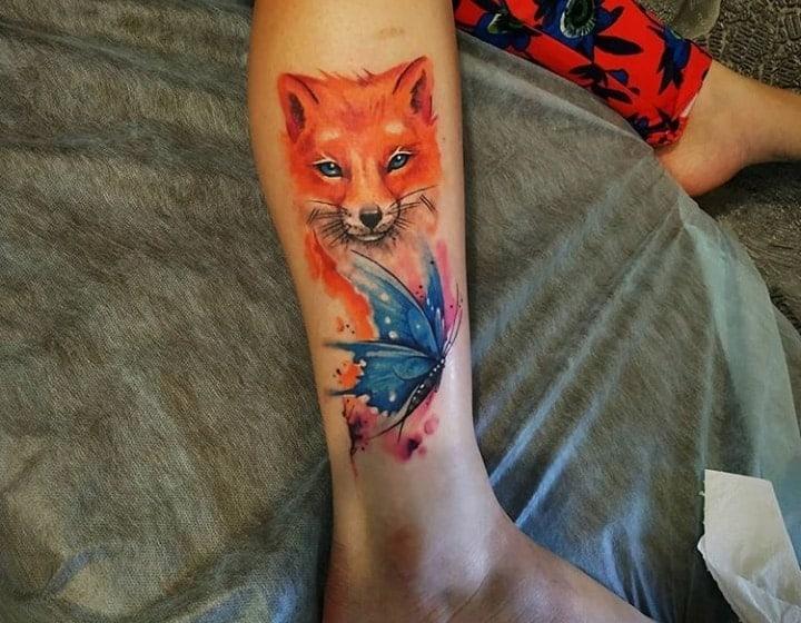 цветная тату на ноге