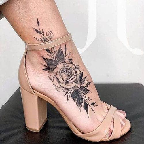 цветы женская тату
