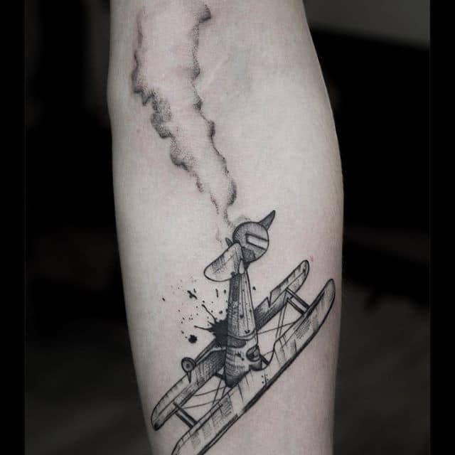 самолет татуировка
