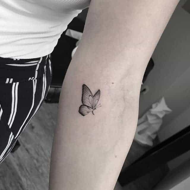 мини тату бабочка
