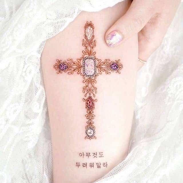 тату крест цветной