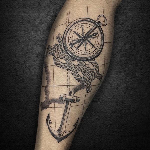тату на внутренней стороне руки компас