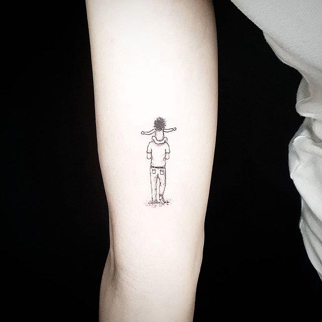 маленькие мужские тату на руке