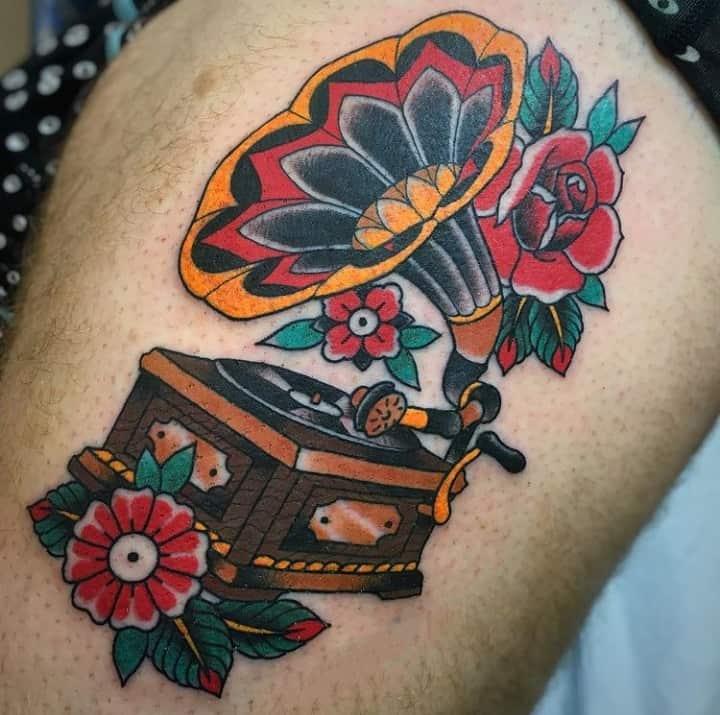 Граммофон с цветами