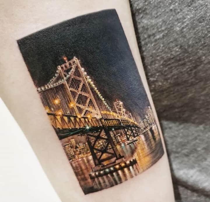 тату мост реализм