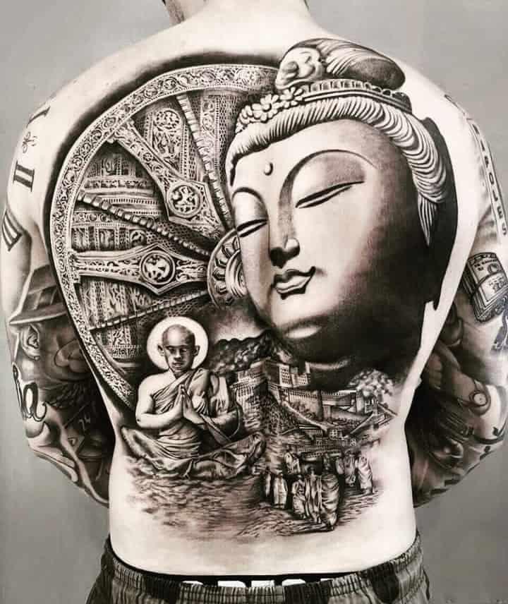 мужское тату на спине будда