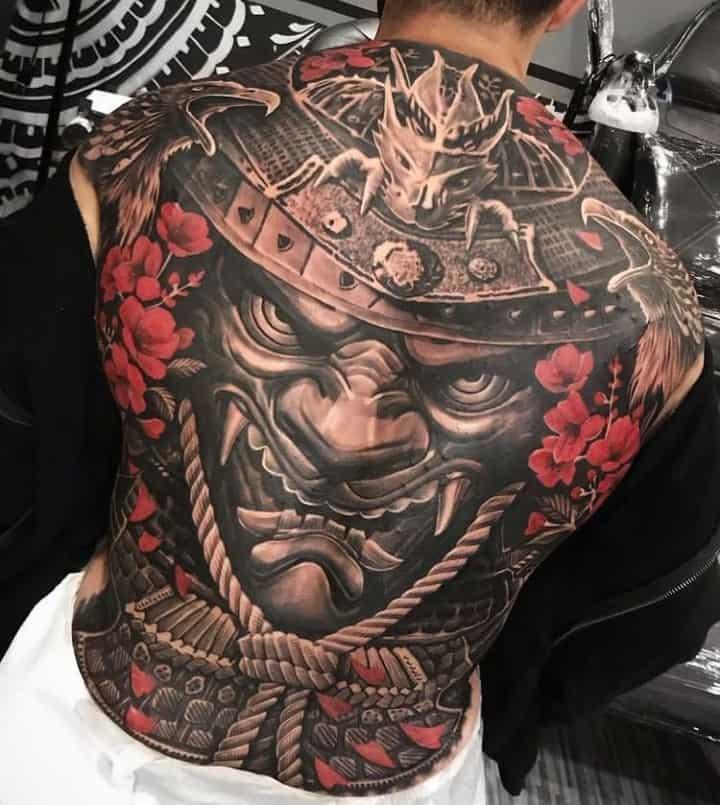 мужское тату на спине саурай