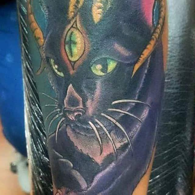 тату третий глаз кот