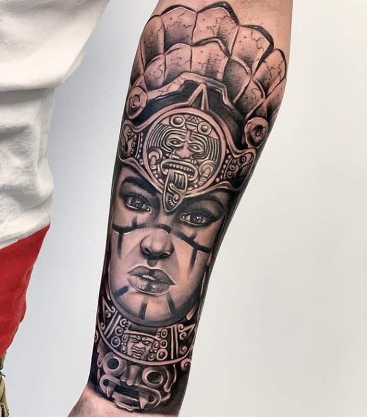 майя тату на руке