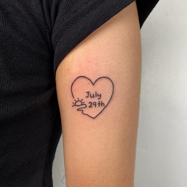 тату надпись в сердце
