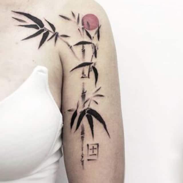 Тату бамбук на руке