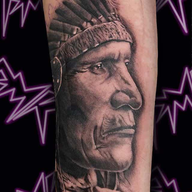 вождь индейцев тату реал