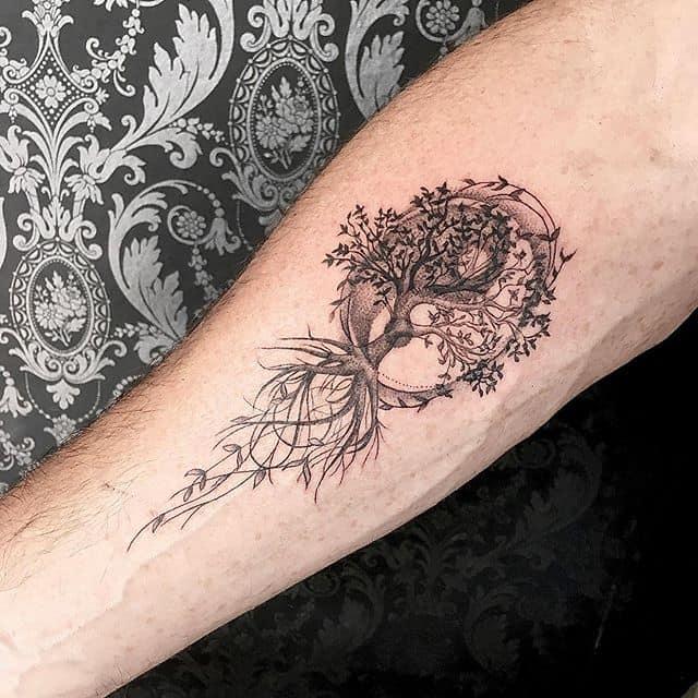тату символ жизни древо