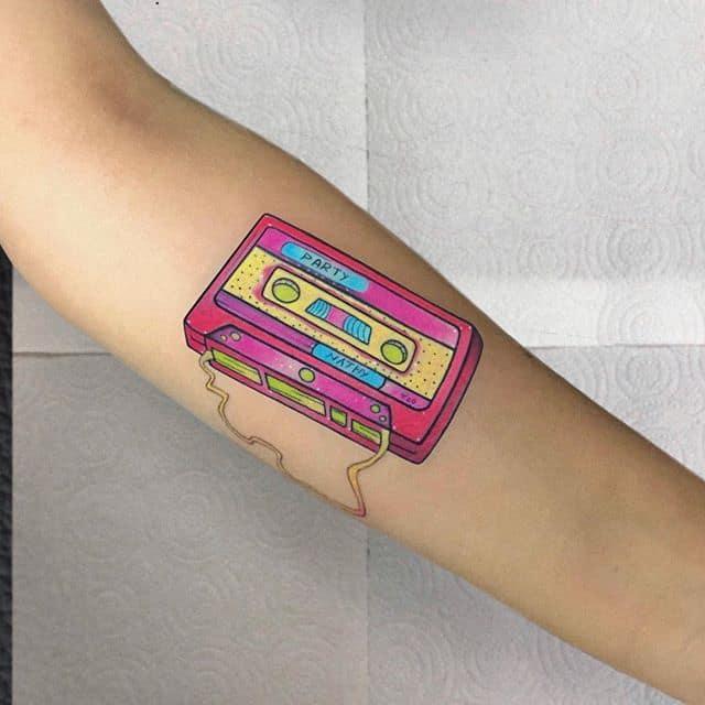 кассета тату на руке