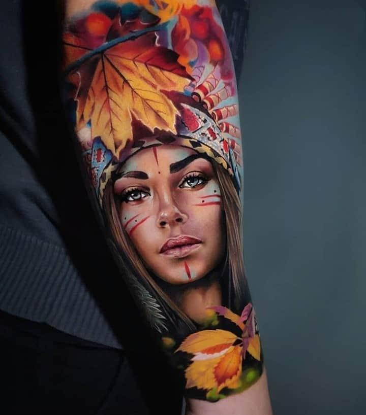 классное тату девушка