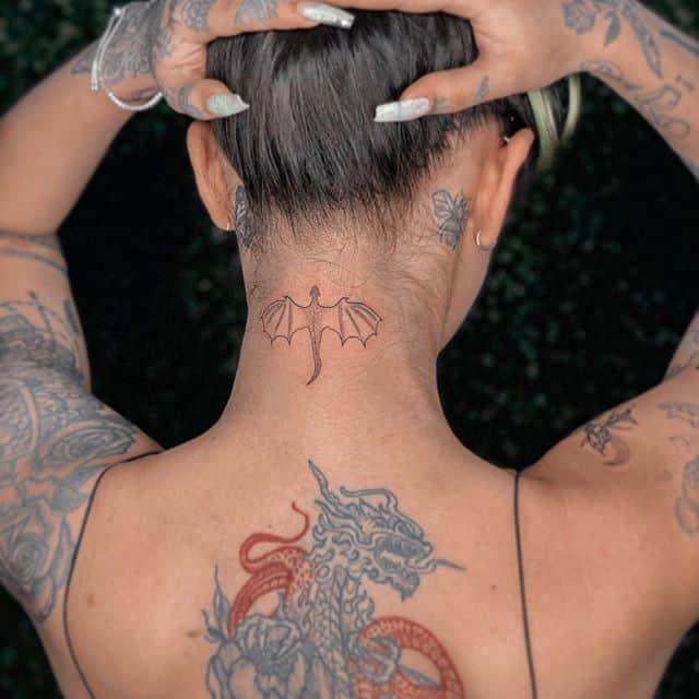 дракон минимализм тату на спине