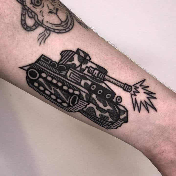 тату танк чб