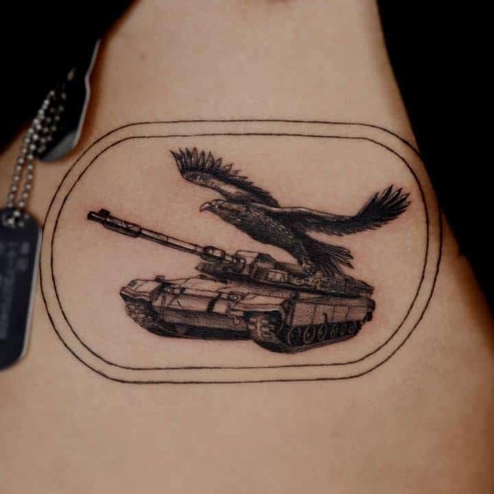 тату танк с птицей