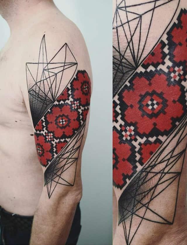 украинская вышивка тату на плече