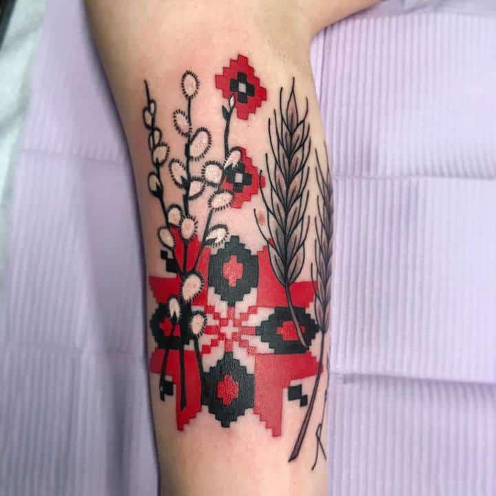 украинская вышивка и колоски тату