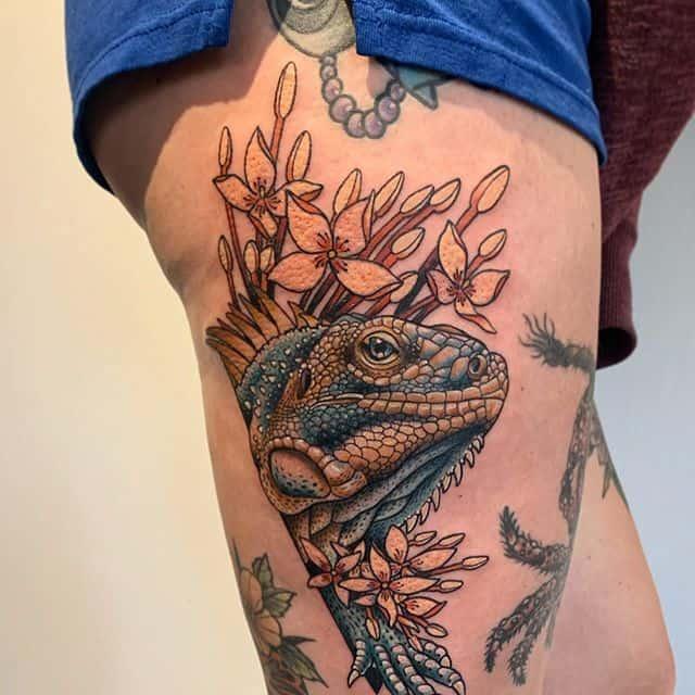 игуана и цветы тату