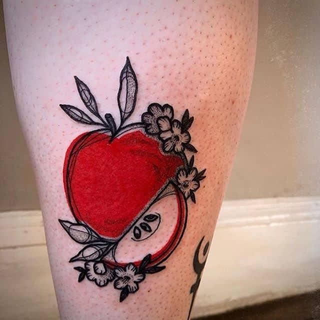 красное яблоко тату