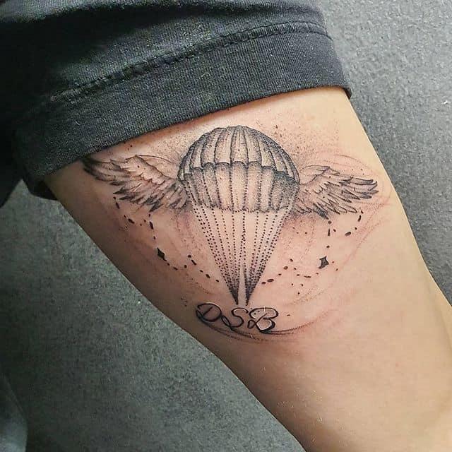 тату парашют